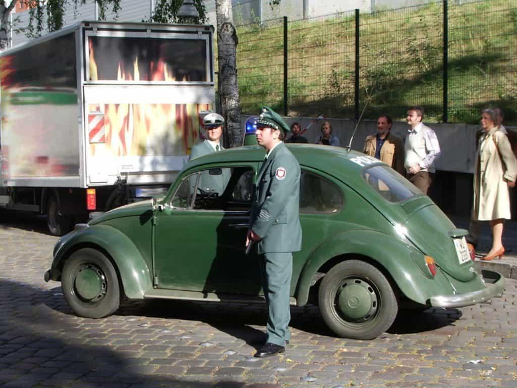 Der VW Käfer aus dem Polizeioldtimer Museum Marburg im Filmeinsatz