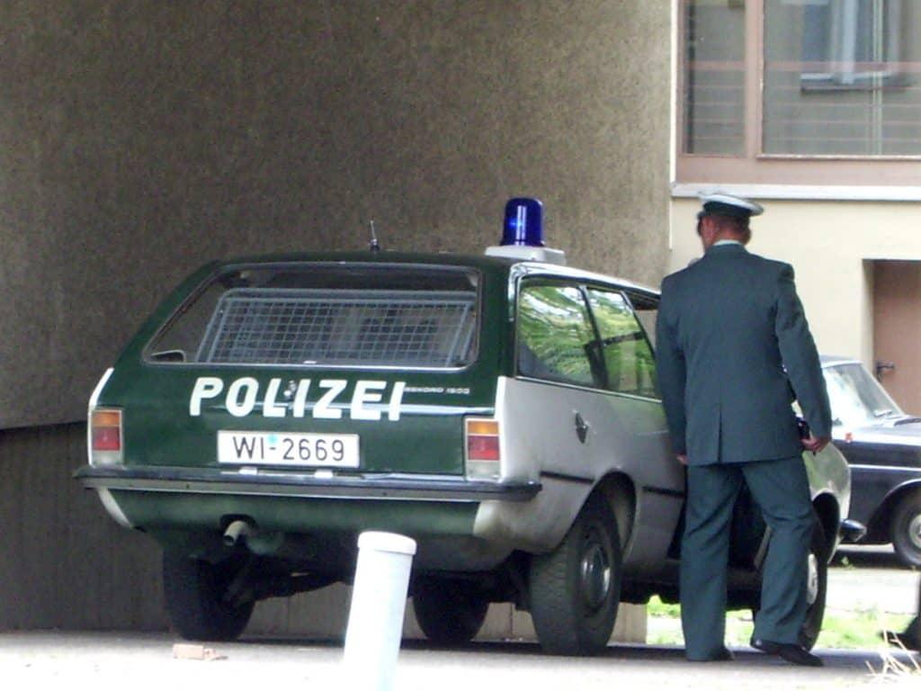 Der Opel Rekord aus dem Polizeioldtimer Museum Marburg im Einsatz beim Dreh zum Baader-Meinhof-Komplex