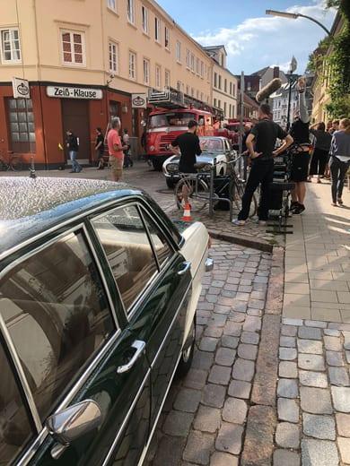 """Unser historisches Polizeifahrzeug, der Audi 100, steht im Film vor der Wohnung von Fritz Honka und ist zum Ende des Films """"DER GOLDENE HANDSCHUH"""" zu sehen"""