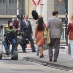 """Im ARD-Film """"Goldjungs"""" ist Marie Breuer (Michelle Barthel, links) eine der Hauptdarstellerinnen, hier beim Dreh zu sehen"""