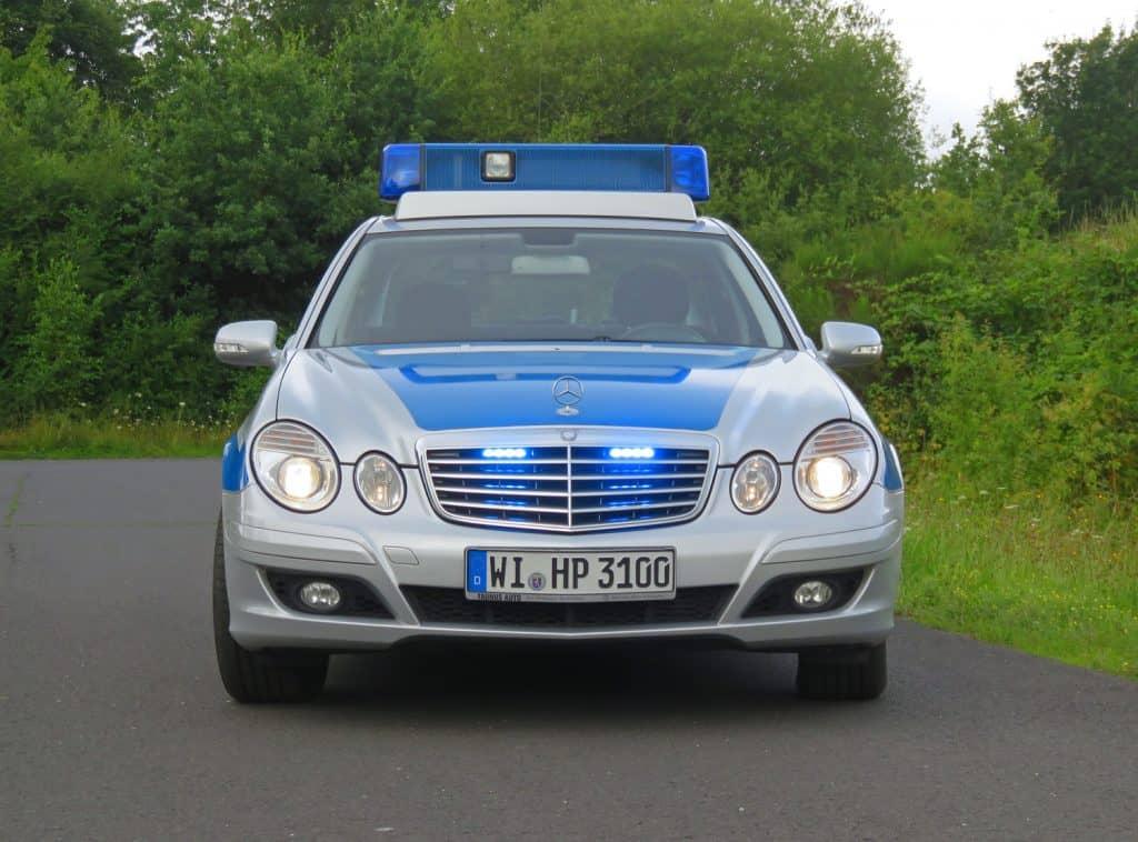 Erstmals zu bewundern im Polizeioldtimer Museum Marburg ist der Mercedes 280 CDI, ein einzigartiges Polizeifahrzeug, früher eingesetzt bei der Landeskradstaffel Hessen