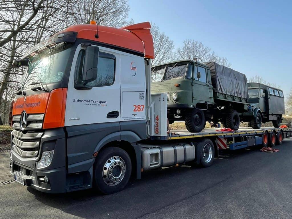 Gut angekommen ist der Transporteur Universal Transport, u. a. mit dem Robur LO 2002 A (Bj. 1975) auf seiner Fahrt von Lübeck nach Marburg an